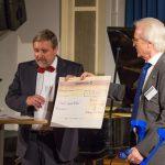 """Prof. Dr. Stephan Roth-Kleyer, Großmeister der Großloge A.F.u.A.M.v.D., und Dr. Bernd Schmude, Vorsitzender des Vereins """"Stark gegen Krebs"""""""